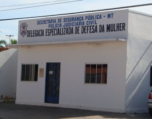 caceres mulher